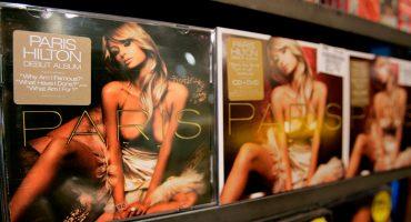 That's hot! Subastarán la parodia que Banksy le hizo al disco de Paris Hilton 12 años atrás