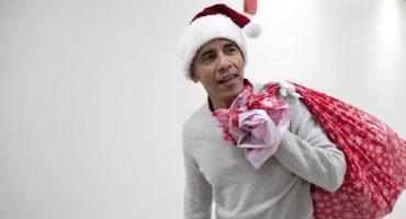 ¿Obama Claus? El expresidente de Estados Unidos sacó el espíritu navideño en un Hospital Infantil