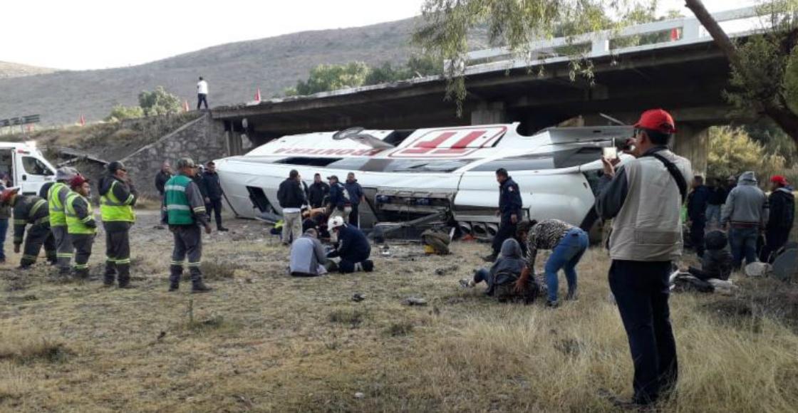 Volcadura de camión en San Luis Potosí deja al menos 9 muertos