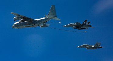 Chocan dos aviones del Ejército de Estados Unidos; hay un muerto y cinco desaparecidos