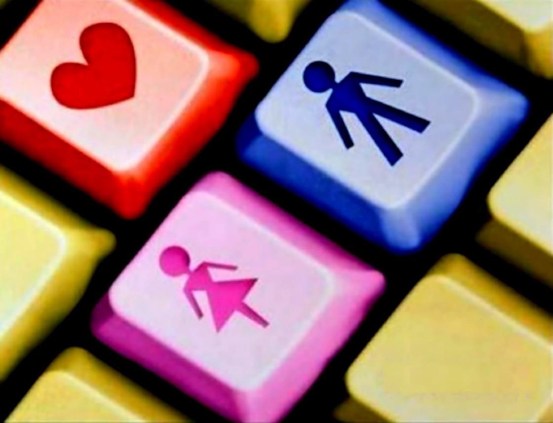 ¿Haciendo casting en el ciber amor? Ellas los prefieren 'pachoncitos', tatuados y barbudos
