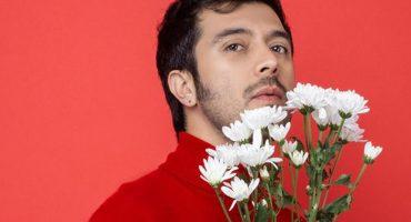 ¡Escucha en exclusiva 'Un Amor Violento', el tributo de Gepe a Los Tres!
