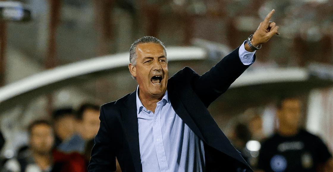 Gustavo Alfaro renunció a Huracán en medio de rumores que lo colocan en Boca