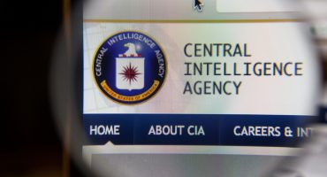 Un hombre le dijo a su esposa que era un agente de la CIA para ponerle el cuerno