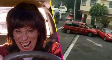 ¡¿Lois, eres tú?! Señora enfurecida destroza un auto por supuesto conflicto vial en Azcapotzalco