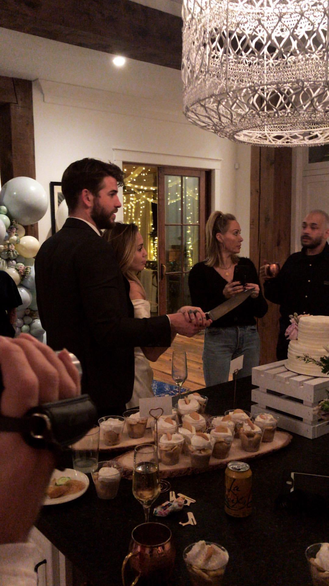 ¿Se casaron o no? Los videos que podrían delatar la boda de Miley Cyrus y Liam Hemsworth