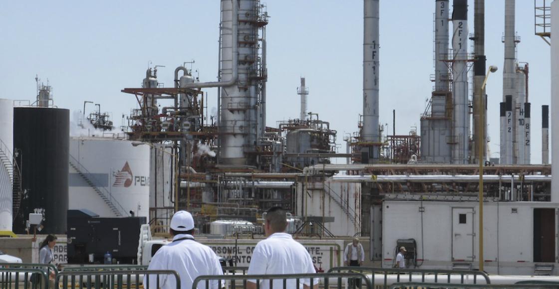 Ejército llega a reforzar seguridad de refinería en Salamanca, Guanajuato