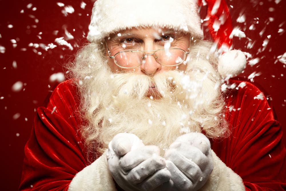 ¿Feliz Navidad? Un hombre vestido de Santa Claus tuvo un paro cardiaco frente a unos niños