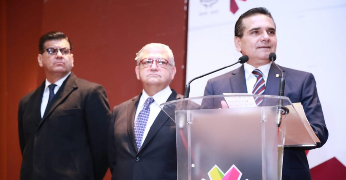 Gobernador de Michoacán interpondrá controversia en contra de superdelegados