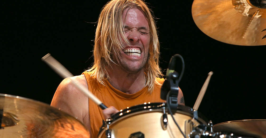 Mira al hijo de Taylor Hawkins, baterista de Foo Fighters, tocar junto a su papá y Dave Grohl