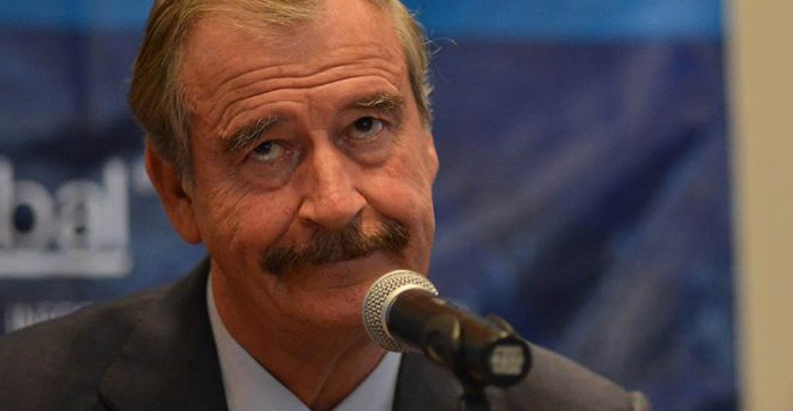 """Vicente Fox confunde la bandera mexicana y el internet le aplica un """"ya 100tc cñor"""""""