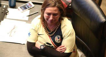 Ya 100TC señora… Xóchitl Gálvez paga apuesta y se pone la camiseta del América