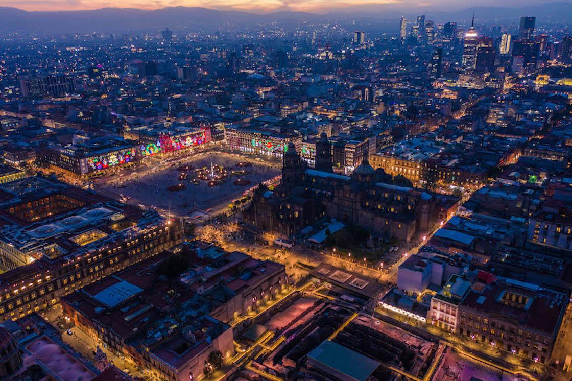 Así resplandece la Ciudad de México en Navidad bajo la lente de Postandfly