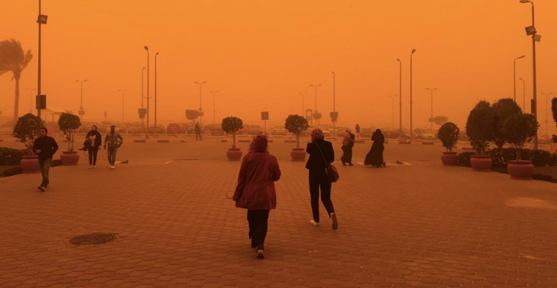 ¡Wow! Checa las impresionantes imágenes que dejó una tormenta de arena en Egipto