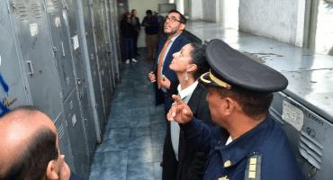 Baia, baia, trabajadores del gobierno CDMX ordeñaban gasolina de los coches oficiales