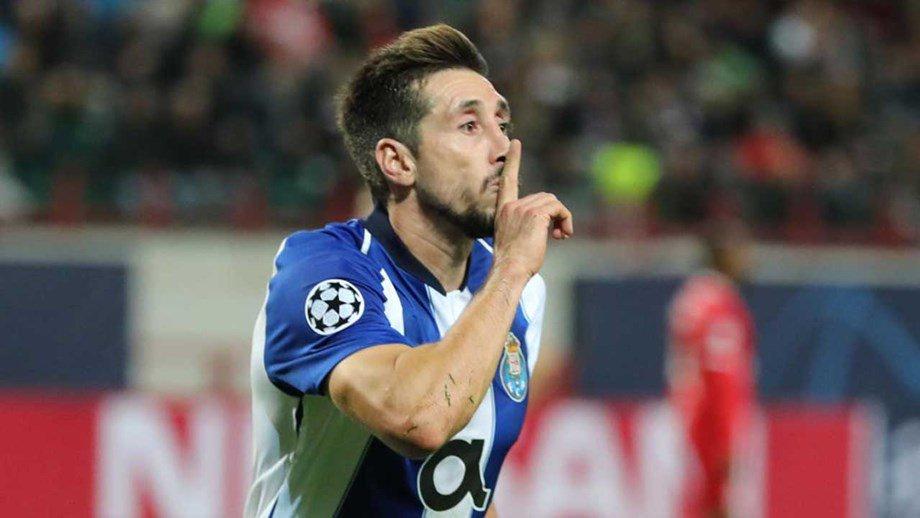Héctor Herrera tiene libertad condicional: DT del Porto