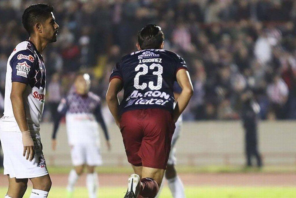 El 'honesto' Cardozo confesó que Chivas no jugó bien pero le bastó para ganar