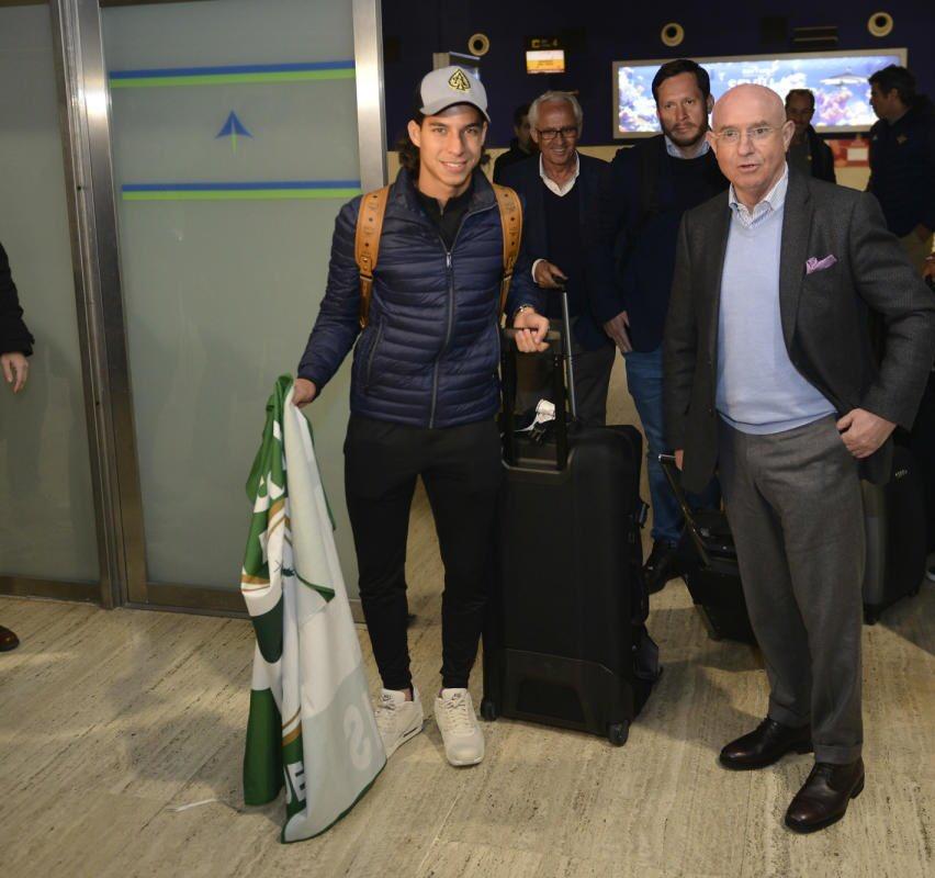 ¡Diego Lainez llegó a España! Aquí sus primeras imágenes previo a reportar con el Betis