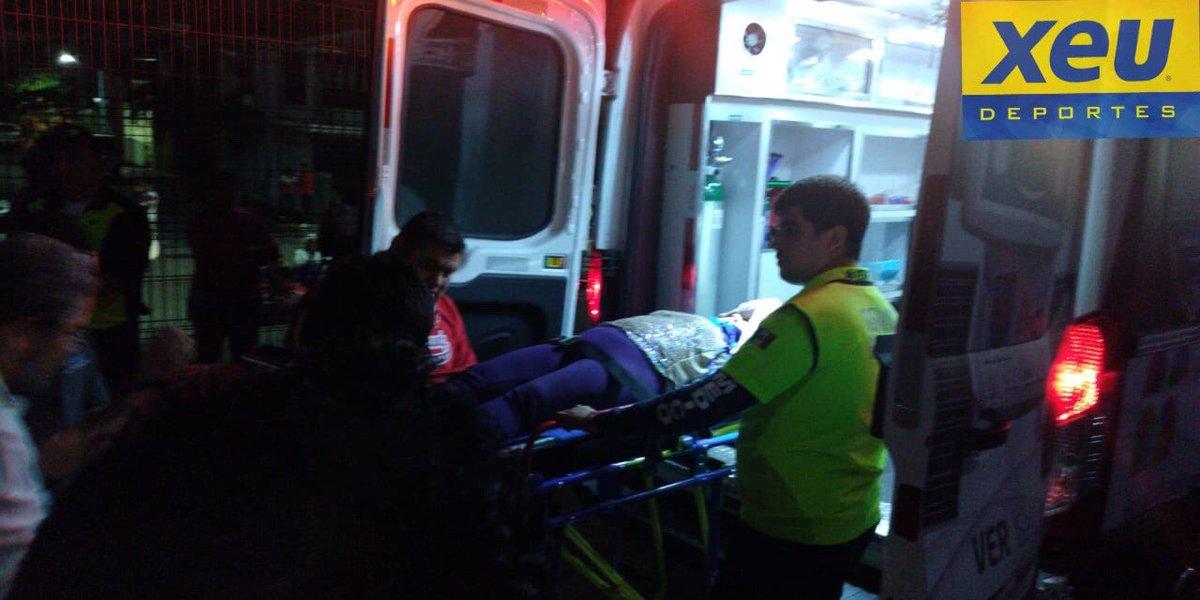 Vendedora cayó de las gradas del Luis Pirata Fuente: Se convulsionó y fue hospitalizada