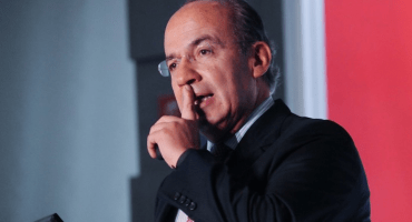 ¿Poooor? Presuntos policías solicitaron a Felipe Calderón como representante sindical: Durazo