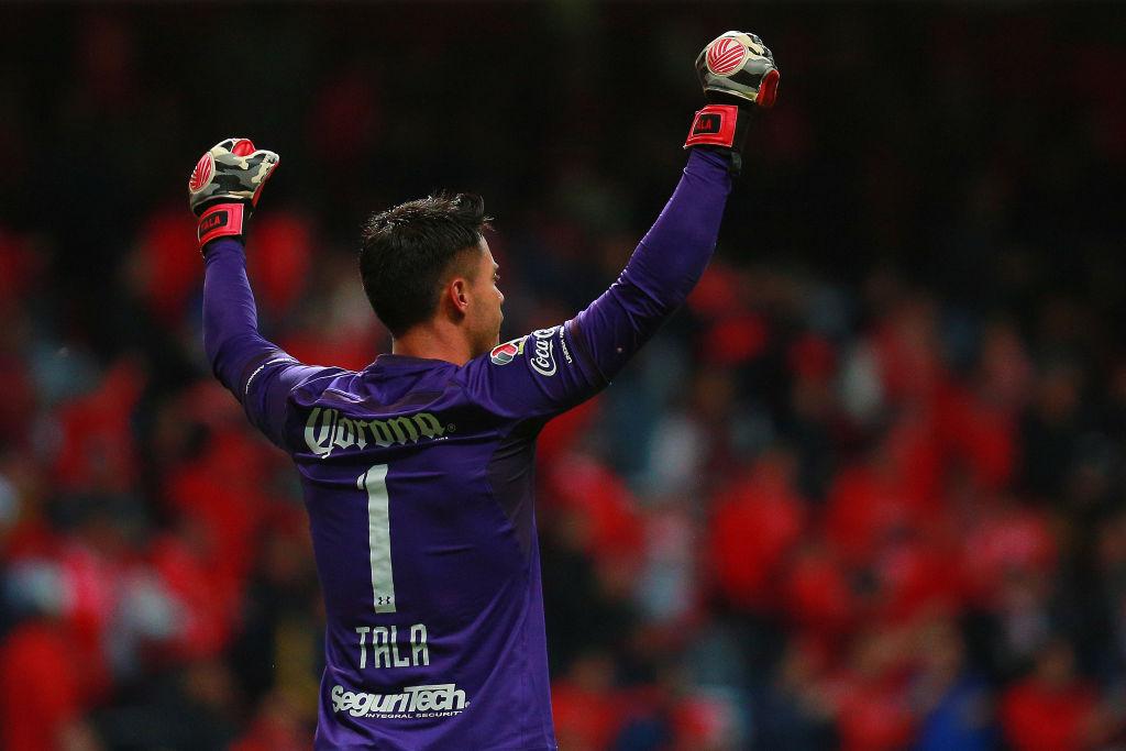 Talavera sigue molesto con las 'ChiVARs' y pide que la Liga MX instale el 'ojo de halcón'
