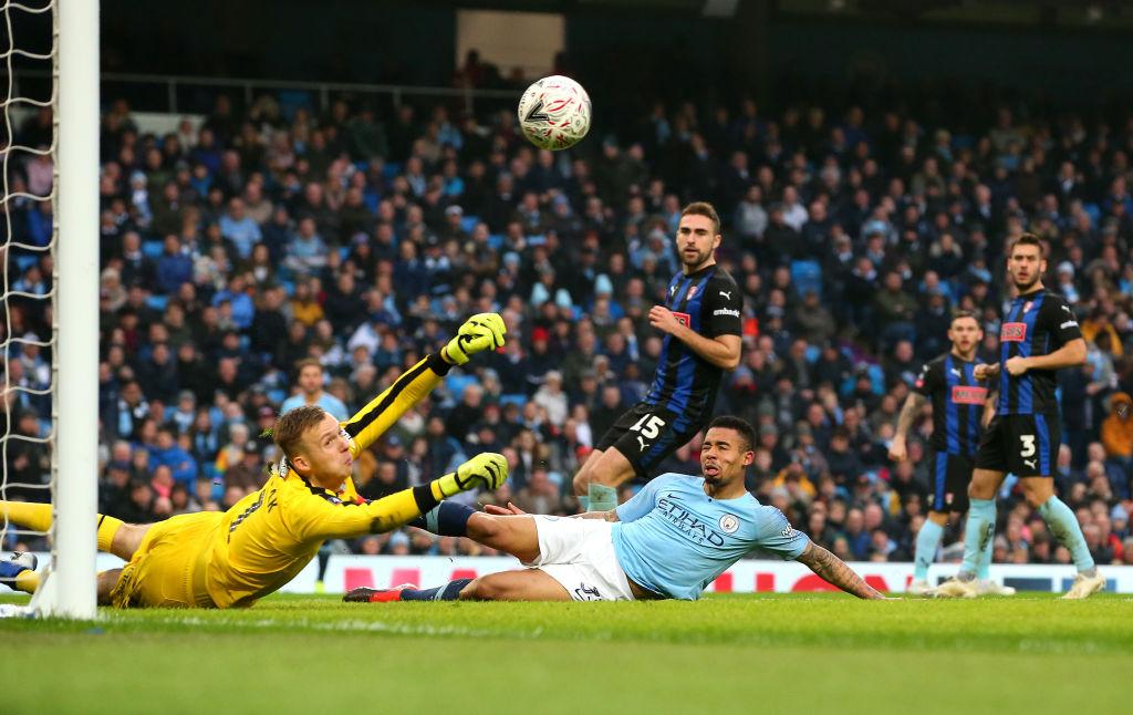 Goleada del City con gol de Nico Otamendi