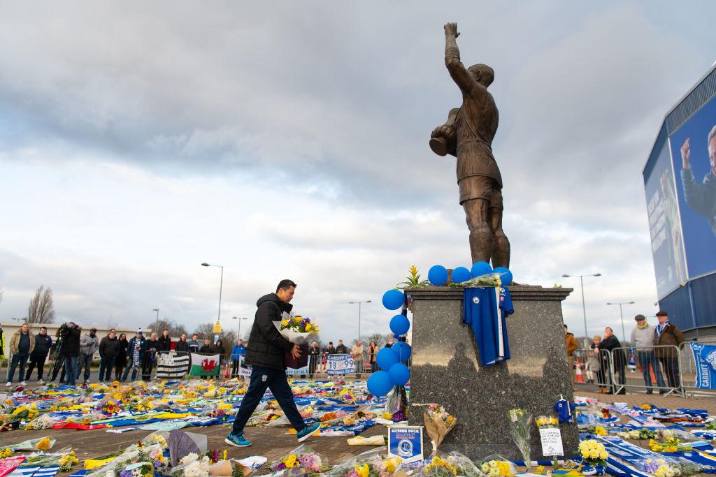 Fanáticos del Cardiff y Arsenal le rendirán homenaje a Emiliano Sala con un distintivo