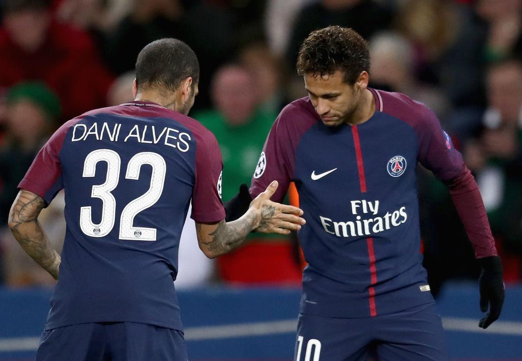 ¡Jajaja! Dice Dani Alves que todos envidian a Neymar porque es 'guapo, rico y famoso'