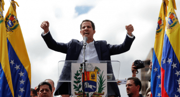 Juan Guaidó se proclama presidente interino de Venezuela ante el régimen de Maduro