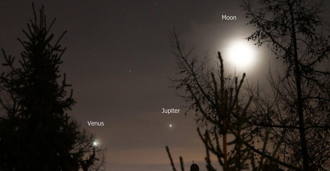 Usuarios comparten las alineación perfecta entre Venus, Júpiter y la Luna