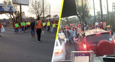 Extrabajadores del NAIM cierran caseta Peñon-Texcoco exigiendo el pago de finiquitos