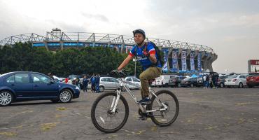 ¿Efecto huachicolero? La afición abandona a Cruz Azul y Chivas, pero no el 'Tata' Martino