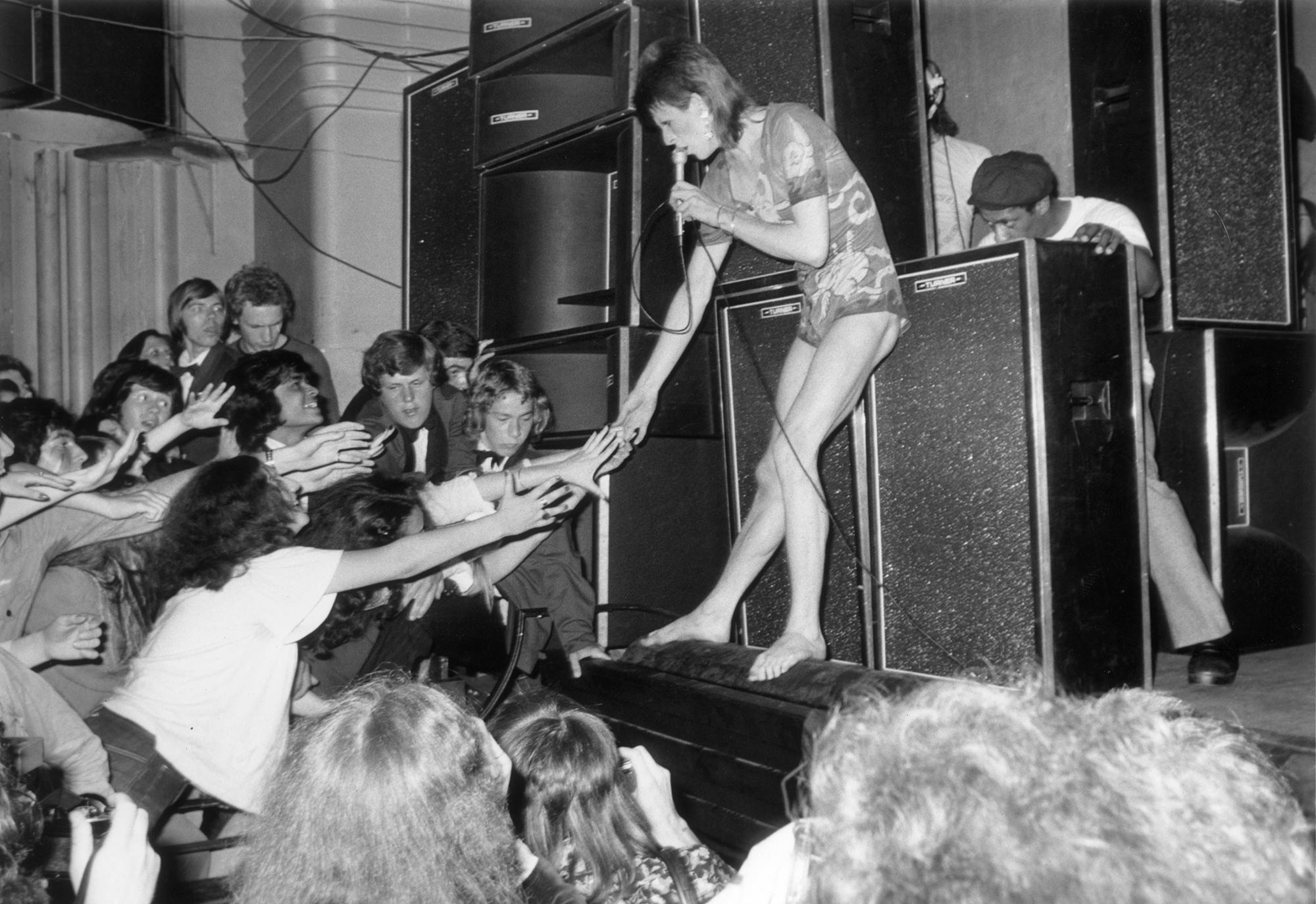 Encuentran el video de la primer aparición en la televisión de David Bowie como Ziggy Stardust