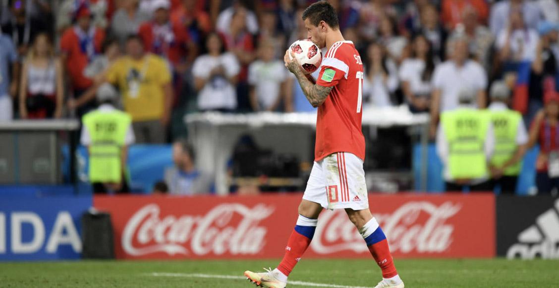 Smólov se disculpó por su penal 'a lo Panenka' que dejó a Rusia fuera del Mundial