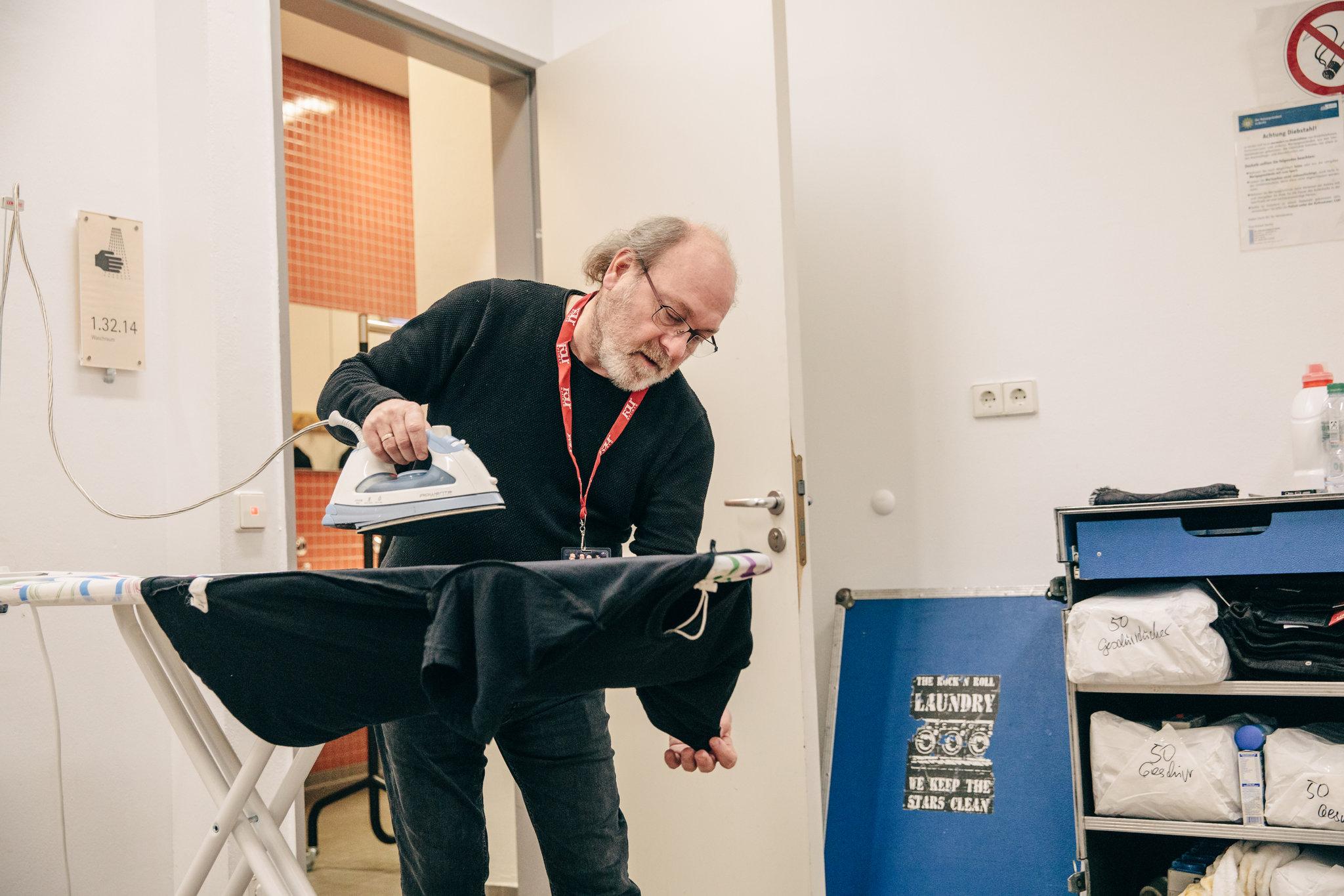 ¡JAJAJAJA! Dueño de famosa lavandería revela que la ropa de Slipknot es la más desagradable