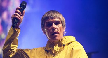 ¿#10YearChallenge? Ian Brown libera 'Ripples' de su primer disco en 10 años