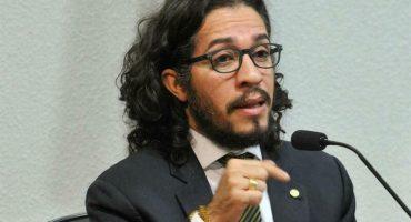 Y en Brasil: Diputado abiertamente gay salió del país por amenazas;