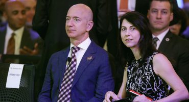 Jeff Bezos, fundador de Amazon, anuncia divorcio tras 25 años de matrimonio