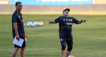 Se cumplió el plazo y Maradona no llega a México: ¿qué pasa en Dorados?