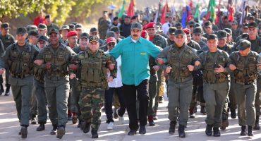 Y en plena crisis... Nicolás Maduro presenta plan para