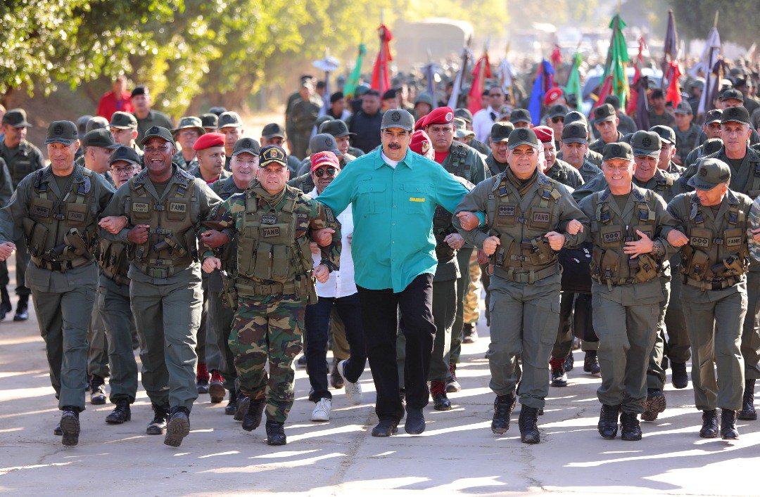 Nicolás MAduro y Ejército de Venezuela