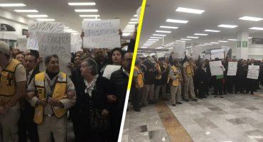 ¿Por qué los trabajadores del AICM se manifestaron en la Terminal 1?
