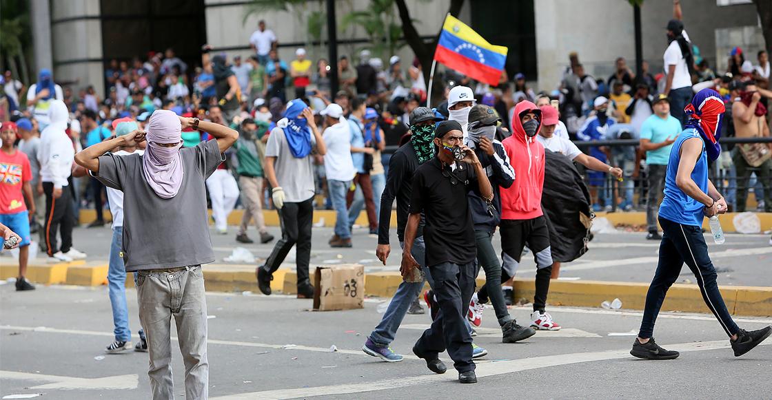 """Estados Unidos pide a personal no esencial salir de Venezuela """"por seguridad"""""""