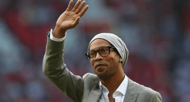 A Ronaldinho le cayó la justicia y tiene prohibido salir de Brasil