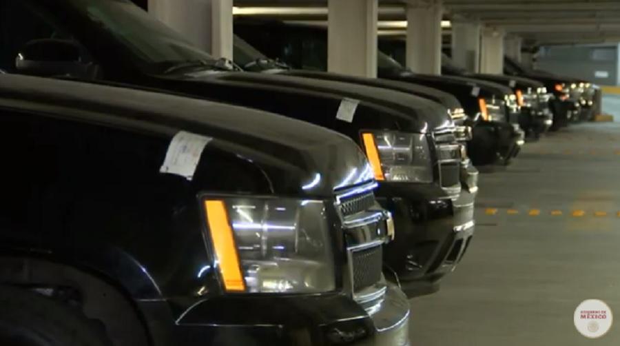 Anuncio subasta de vehículos, AMLO