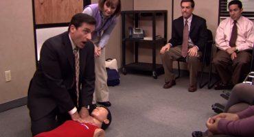 Como cuando salvan a alguien recordando un episodio de The Office