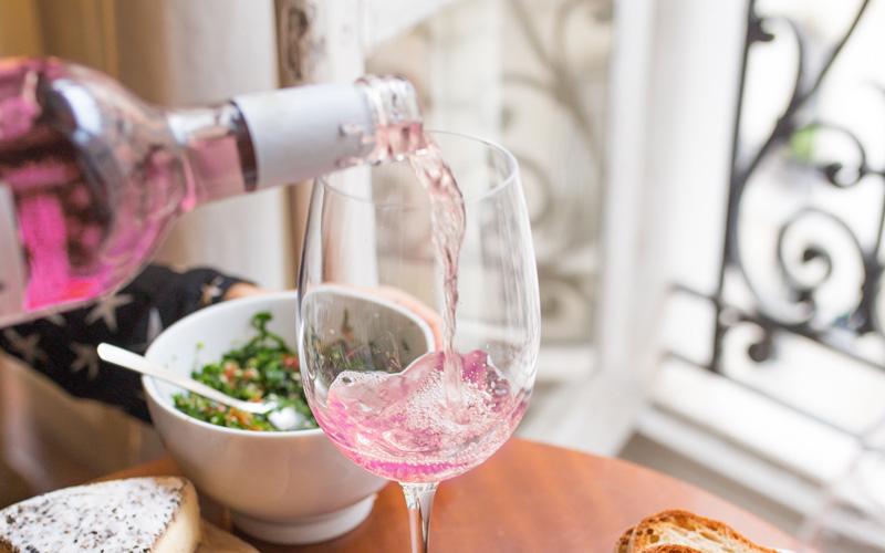 ¡¿Qué clase de magia es esta?! Ya hay un vino rosa espumoso llamado 'Unicorn Tears'