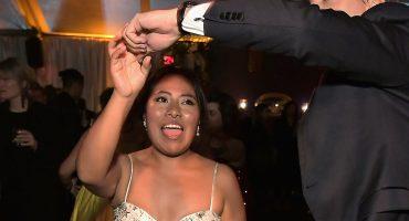 Colegiala, colegiala: Yalitza Aparicio raspó la pista con una buena cumbia en los Golden Globes