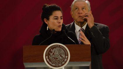 Acusan que padre de Luisa Alcalde interviene en huelgas de universidades; ella lo niega