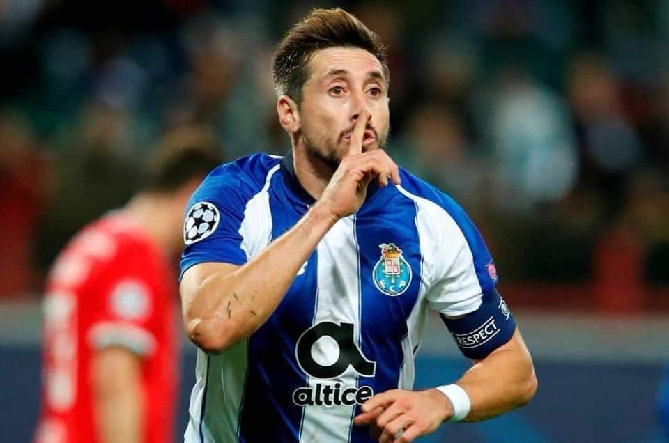 Héctor Herrera y su 'guapura' estarían casi amarrados para llegar gratis al Milan